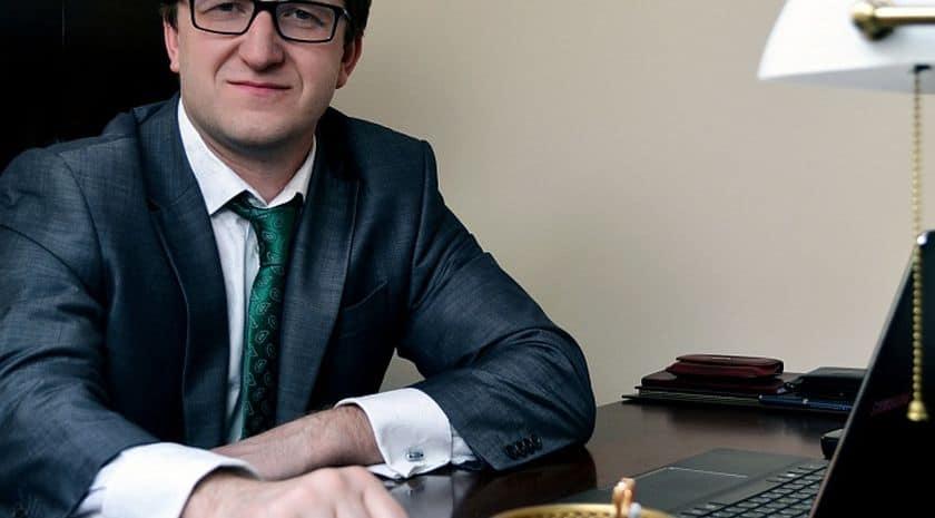 Финансовый управляющий при упрощенном банкротстве ФЛ: нужен или нет?